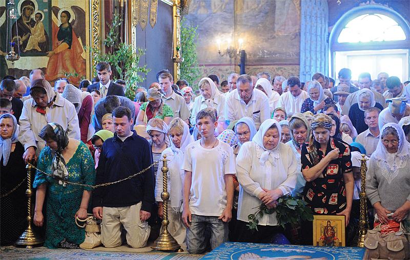 http://p2.patriarchia.ru/2011/06/12/1233223701/2NOV_9601.jpg