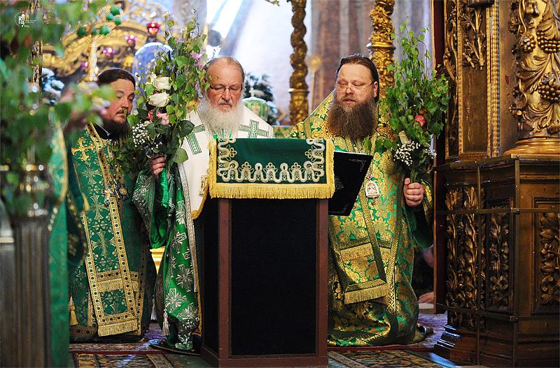 http://p2.patriarchia.ru/2011/06/12/1233223703/2NOV_9609.jpg
