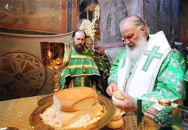 http://p2.patriarchia.ru/2011/06/12/1233223779/2NOV_9447.jpg