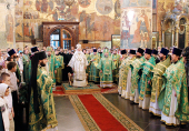 В день Святого Духа Святейший Патриарх Кирилл совершил Божественную литургию в Успенском соборе Московского Кремля
