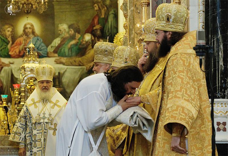 http://p2.patriarchia.ru/2011/06/19/1233227948/2_VSN0359.jpg