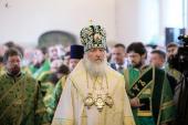 В день памяти святых благоверных Петра и Февронии Святейший Патриарх Кирилл совершил Божественную литургию в Покровском соборе Марфо-Мариинской обители