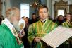 Патриарший визит на Валаам. Славление у раки с мощами преподобных Сергия и Германа Валаамских в Спасо-Преображенском соборе Валаамского монастыря