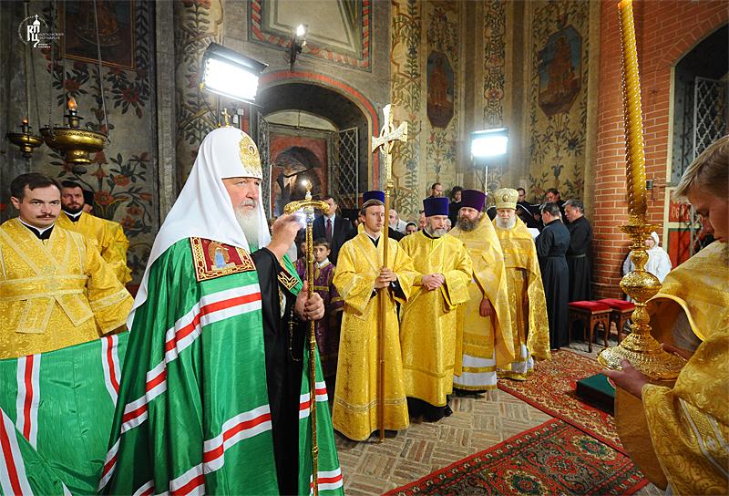 http://p2.patriarchia.ru/2011/07/12/1233247648/2NOV_4292.jpg