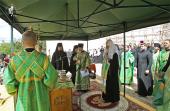 Святейший Патриарх Кирилл совершил молебное пение на начало строительства нового общежития Московской духовной академии