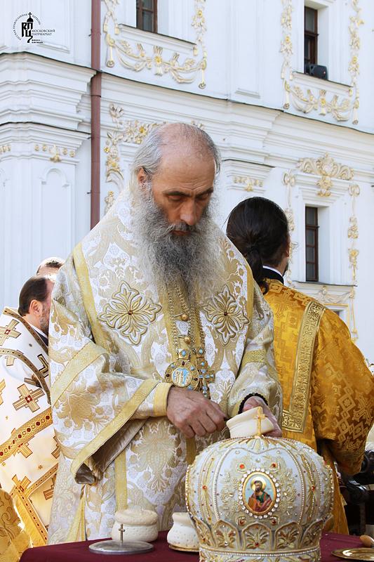Визит Святейшего Патриарха Кирилла на Украину. Божественная литургия в Киево-Печерской лавре в День Крещения Руси