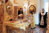 Святейший Патриарх Кирилл молился за Литургией в домовом храме Патриаршей резиденции в Переделкине