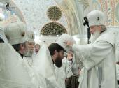 В канун праздника Преображения Господня Святейший Патриарх Кирилл совершил всенощное бдение в нижней Спасо-Преображенской церкви Храма Христа Спасителя