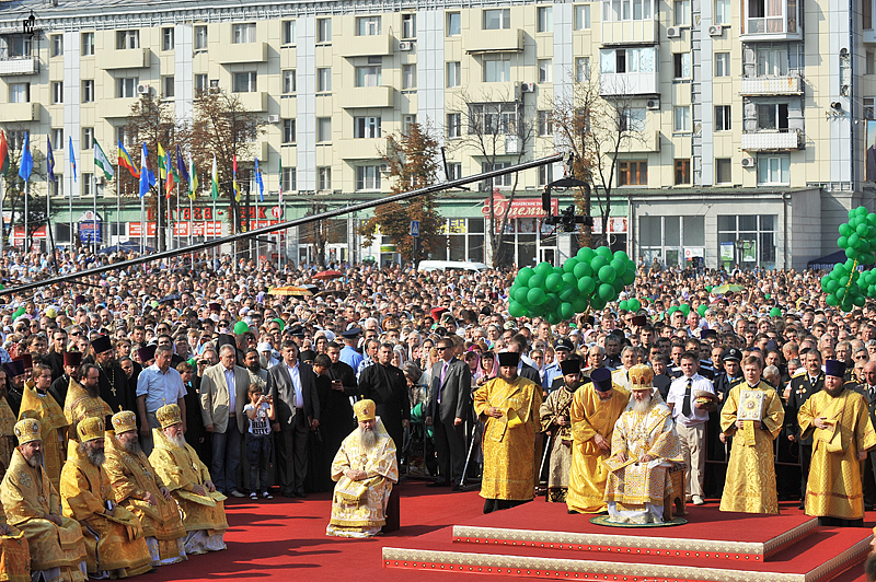 http://p2.patriarchia.ru/2011/09/15/1234094627/2NOV_5820.jpg