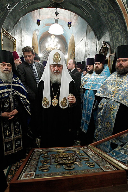 http://p2.patriarchia.ru/2011/10/03/1234106702/2_S9F3468.jpg