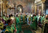 В канун дня памяти преподобного Сергия, игумена Радонежского, Святейший Патриарх Кирилл совершил всенощное бдение в Троицком соборе Троице-Сергиевой лавры