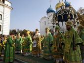 В день преставления преподобного Сергия Радонежского Предстоятель Русской Церкви возглавил служение Божественной литургии в Успенском соборе Троице-Сергиевой лавры