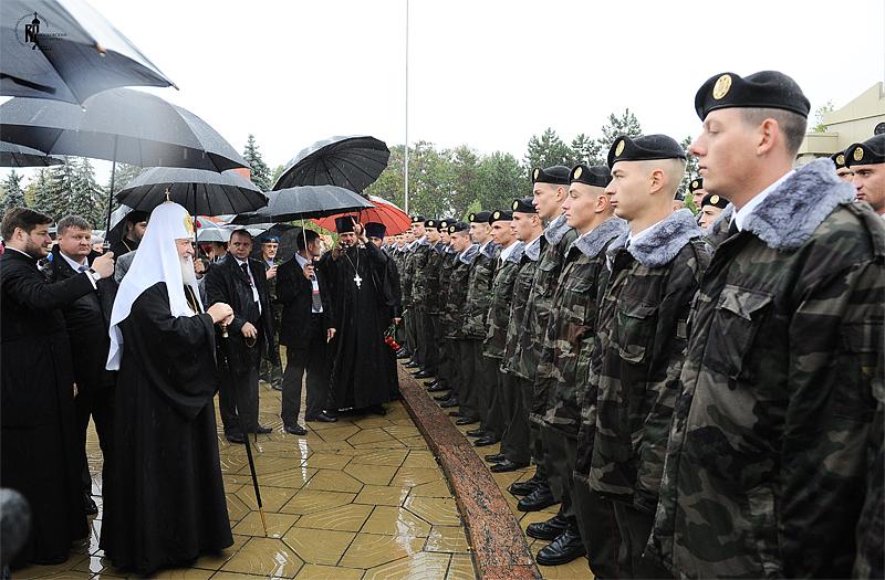 Визит Святейшего Патриарха Кирилла в Молдавию. Возложение венка к монументу памяти воинов, погибших в годы Великой Отечественной войны в боях за освобождение Молдавии