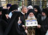 В Россию с Афона впервые принесен Пояс Пресвятой Богородицы