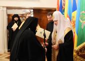 Святейший Патриарх Кирилл вручил игуменский жезл настоятельнице Пюхтицкого Успенского ставропигиального монастыря