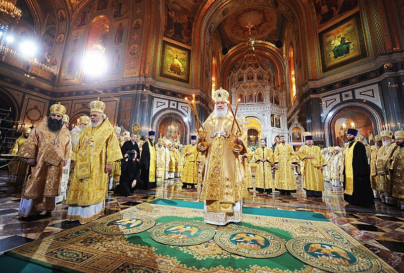 Божественная литургия в Храме Христа Спасителя в день празднования 65-летия Предстоятеля Русской Церкви
