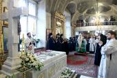 В третью годовщину со дня кончины приснопамятного Патриарха Алексия II Святейший Патриарх Кирилл совершил панихиду у его гробницы в Богоявленском кафедральном соборе