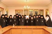 Митрополит Волоколамский Иларион вручил удостоверения о повышении квалификации 17 слушателям архиерейских курсов