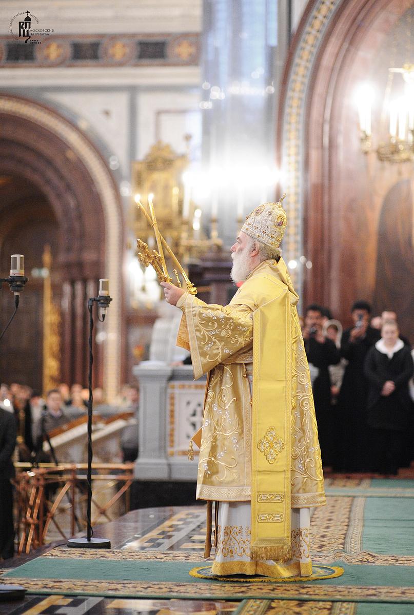 Служение Блаженнейшего Патриарха Феодора, Святейшего Патриарха Кирилла и Блаженнейшего Митрополита Христофора в неделю по Богоявлении в Храме Христа Спасителя