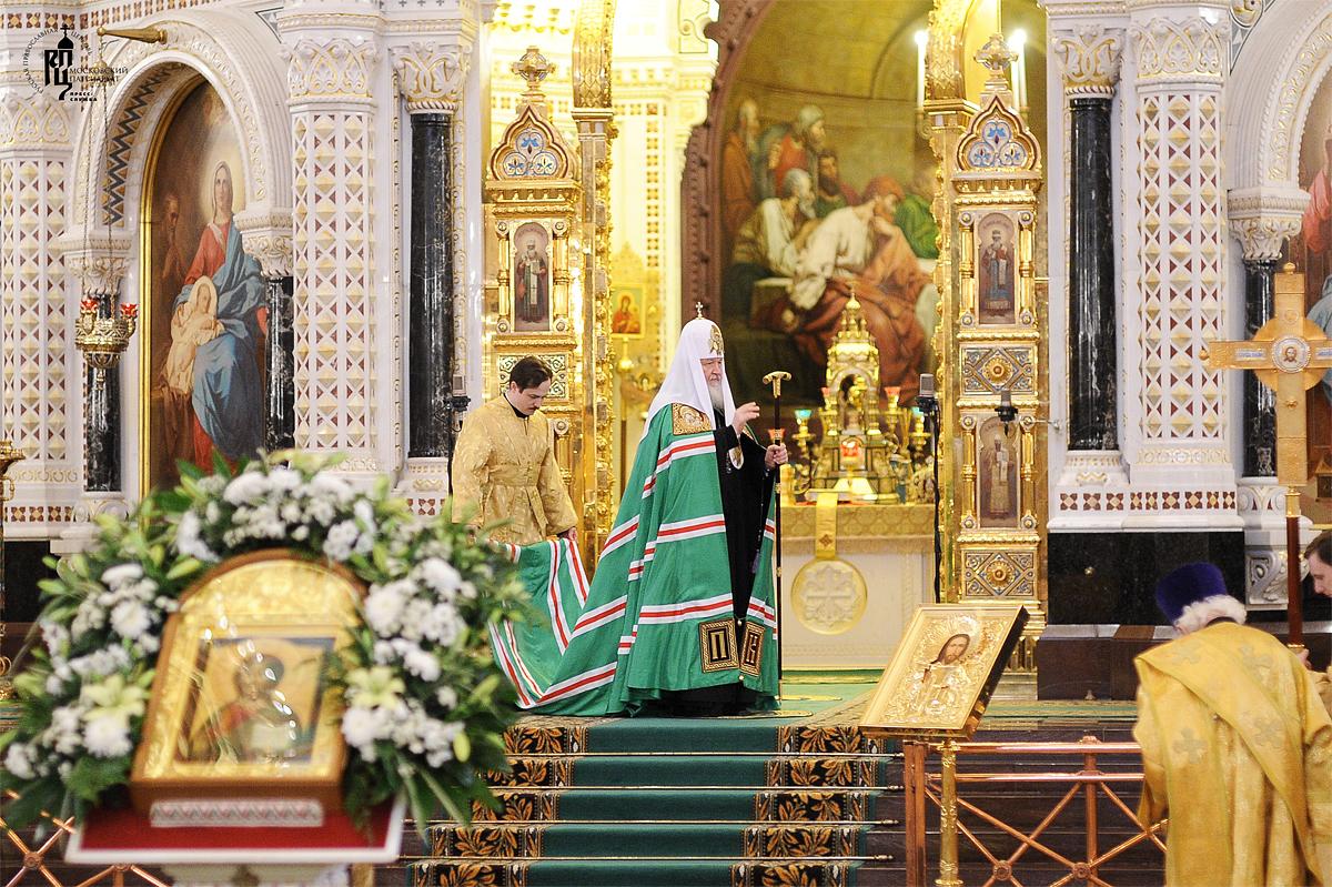 Божественная литургия в Храме Христа Спасителя в третью годовщину интронизации Святейшего Патриарха Кирилла