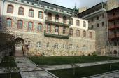 Московские специалисты систематизируют архивы Свято-Пантелеимонова монастыря на Афоне