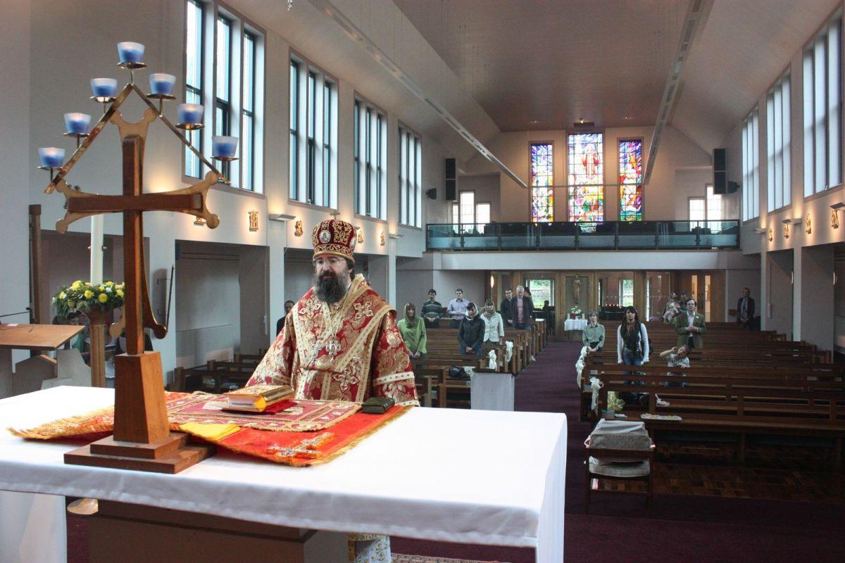 Первая литургия в Лидсе