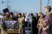 Освящение закладного камня на месте строительства храма Всемилостивого Спаса на северо-западе Москвы