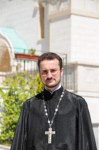 священник Михаил Поваляев