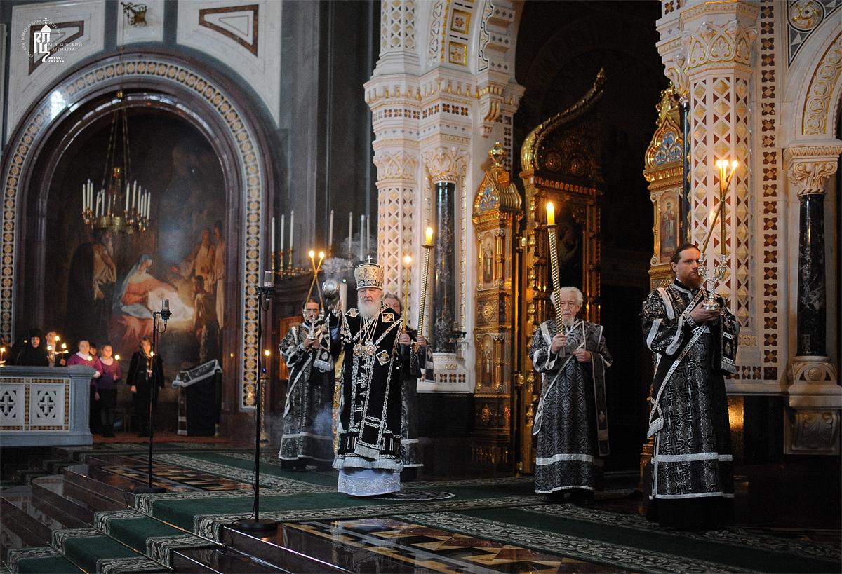 Утреня Великой субботы с чином погребения Плащаницы в Храме Христа Спасителя
