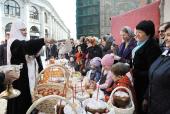 Предстоятель Русской Церкви в Великую субботу посетил ряд московских храмов