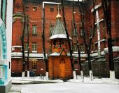В храме при Бутырской тюрьме впервые прошло Пасхальное архиерейское богослужение