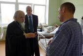 Председатель Синодального отдела по социальному служению поздравил с праздником Пасхи пациентов Инфекционной клинической больницы № 2 г. Москвы