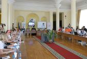 Председатель Отдела религиозного образования и катехизации Русской Православной Церкви встретился с лауреатами и победителями конкурса молодежных добровольческих проектов в семейной сфере