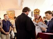 Председатель Синодального отдела по делам молодежи вручил дипломы выпускникам курсов «Вера и дело»