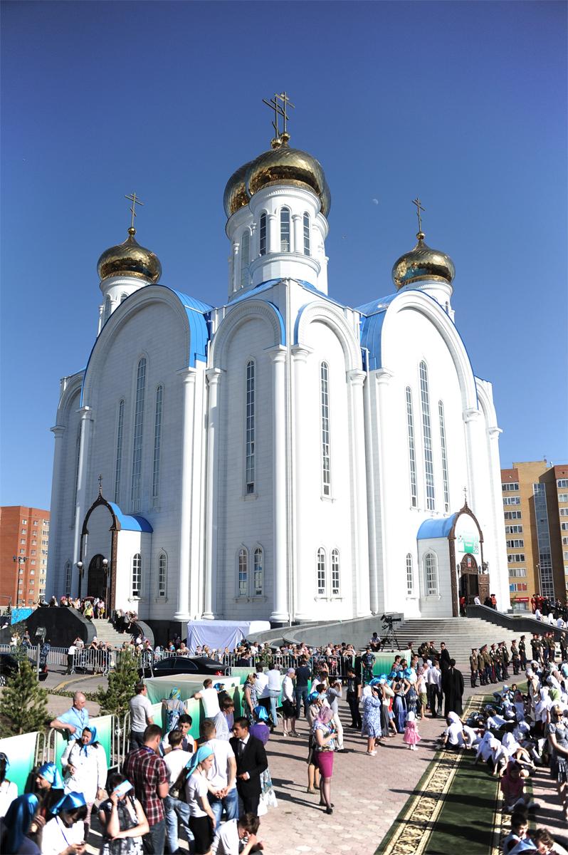 Патриарший визит в Казахстан. Посещение Успенского кафедрального собора г. Астаны. Молебен новомученикам и исповедникам Казахстанским
