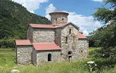 В древнем Свято-Троицком храме в горах Карачаево-Черкесии совершена первая за 94 года Божественная литургия