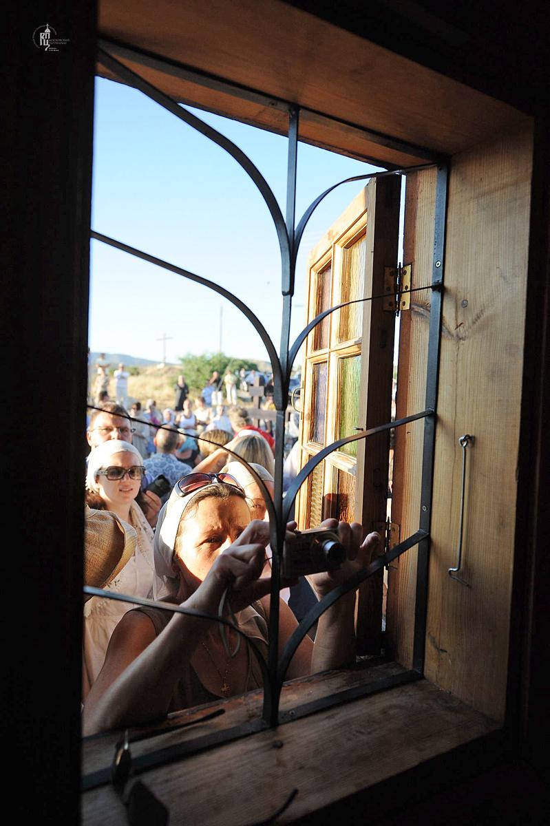 Первосвятительский визит в Кипрскую Православную Церковь. Освящение места закладки храма для русскоязычной общины в г. Лимасоле. Посещение храма Человеколюбца Христа. Посещение Лимасольской митрополии