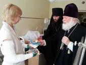 Митрополит Евсевий посетил в Псковской областной больнице пострадавших в автокатастрофе в Черниговской области