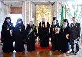 Святейший Патриарх Кирилл удостоил ряд архиереев, отмечающих юбилейные даты, высоких церковных наград