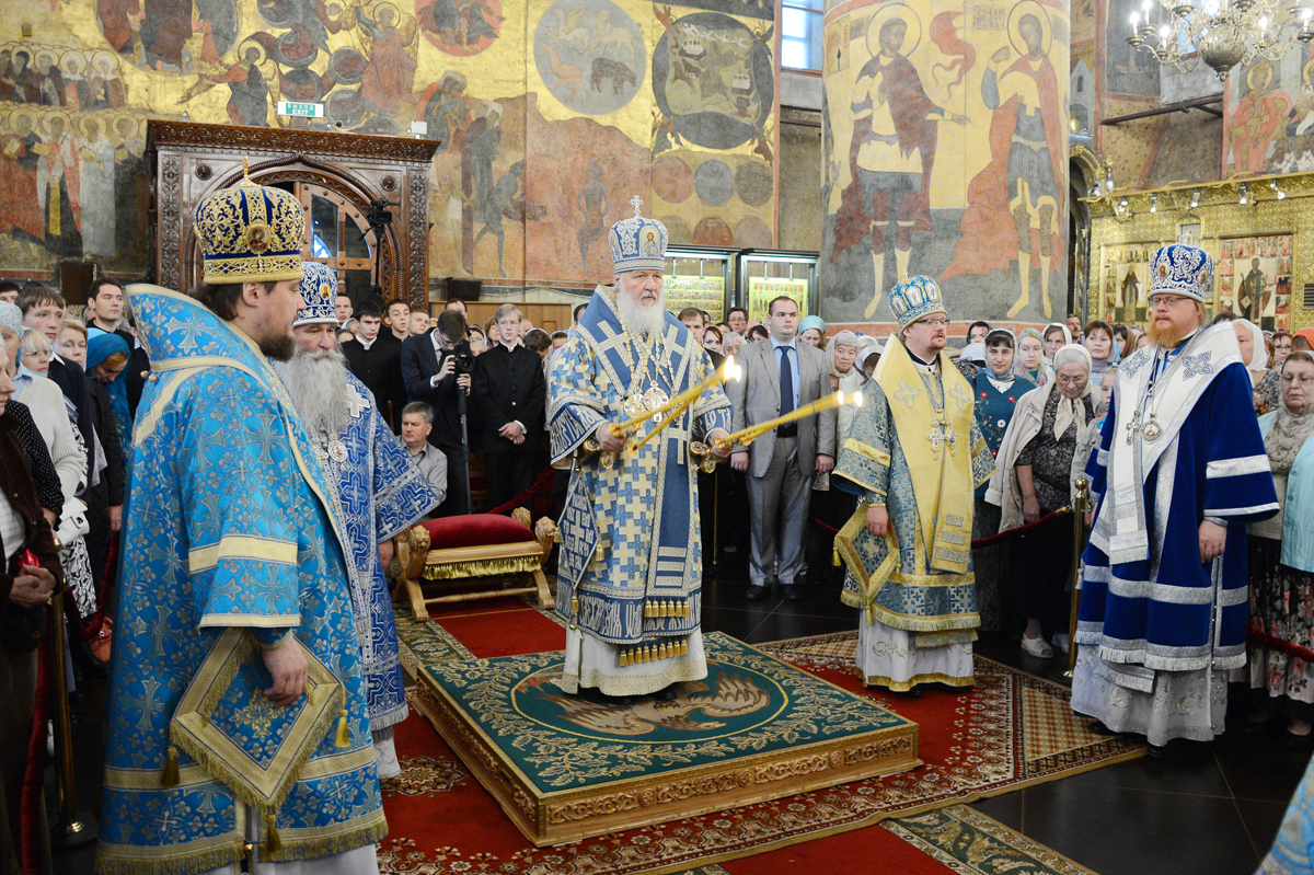 Патриаршее служение в праздник Успения Пресвятой Богородицы в Успенском соборе Московского Кремля