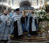 Предстоятель Русской Церкви совершил утреню с чином Погребения Пресвятой Богородицы в Храме Христа Спасителя
