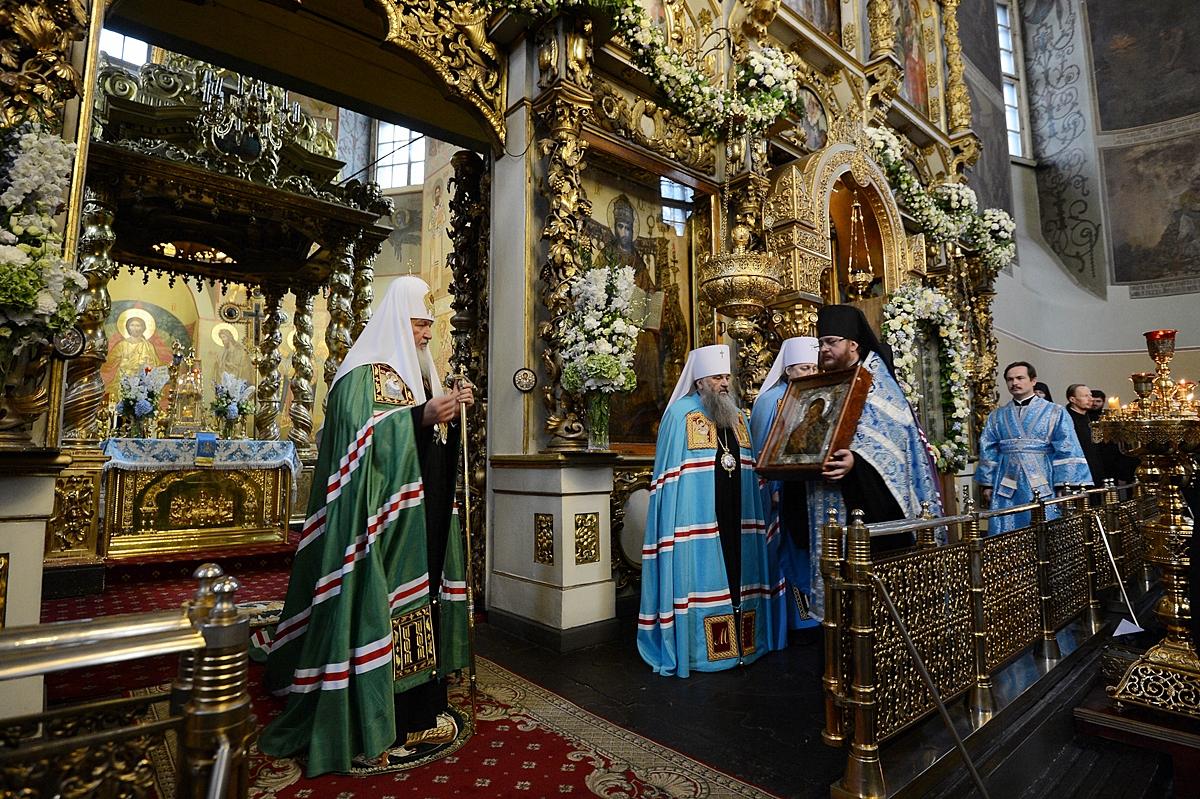 Патриаршее служение в праздник Донской иконы Божией Матери в Донском монастыре. Хиротония архимандрита Вениамина (Королева) во епископа Железногорского