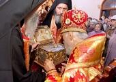 Митрополит Киевский Владимир возглавил проводы на Афон честной главы великомученика и целителя Пантелеимона