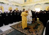 В день своего рождения Святейший Патриарх Кирилл совершил Литургию в храме Всех святых, в земле Российской просиявших, Патриаршей резиденции в Даниловом монастыре