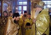 Митрополит Крутицкий и Коломенский Ювеналий совершил Литургию по старому обряду в единоверческом храме Подмосковья