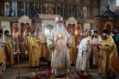 Митрополит Крутицкий Ювеналий совершил Литургию в единоверческом храме в подмосковном селе Михайловская Слобода