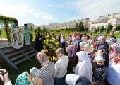 В Москве на Ходынском поле, где будет восстановлен центральный воинский собор, состоялось торжественное богослужение