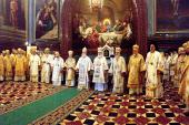 Предстоятели Поместных Православных Церквей совершают Божественную литургию в Храме Христа Спасителя
