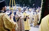 Святейший Патриарх Кирилл совершил утреню на соборной площади Киево-Печерской лавры