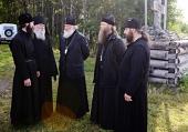Предстоятель Русской Церкви посетил Савватиеву и Исааковскую пустыни Соловецкого монастыря